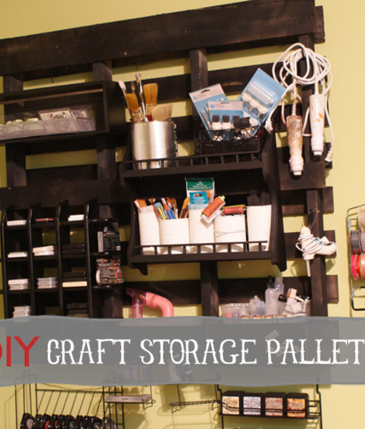 DIY wood pallet to storage for crafts For detailed tutorial, go to http://savedbylovecreations.com/2012/05/craft-storage-solutions-continued.html
