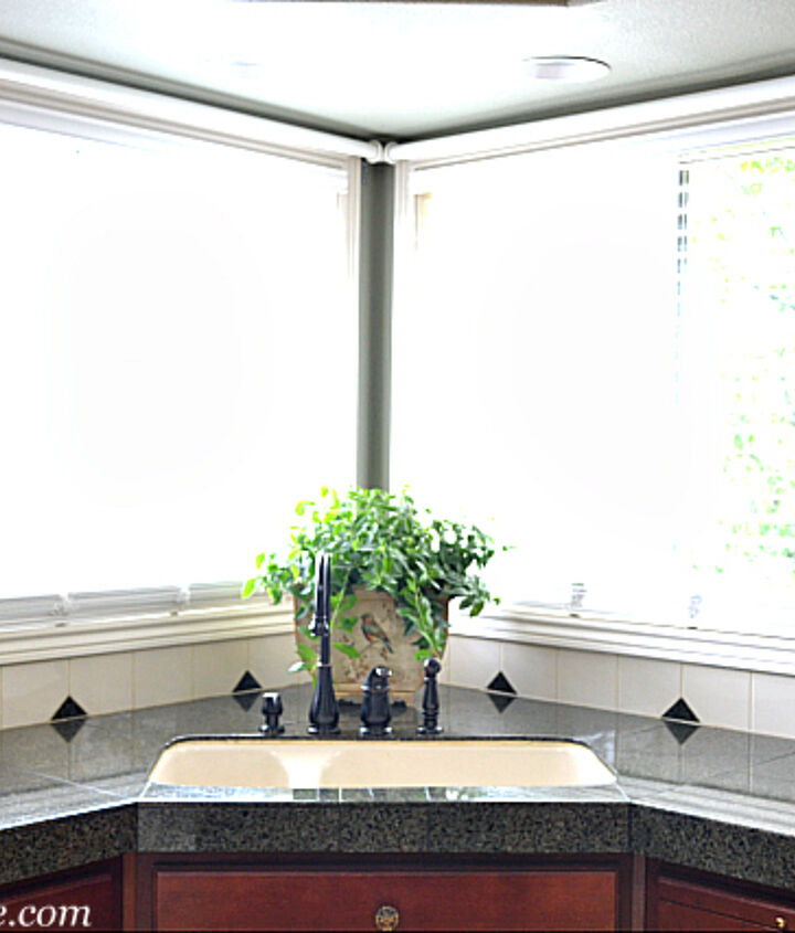 Simple window treatments allow windows to bring in as much light as possible while still adding warmth.