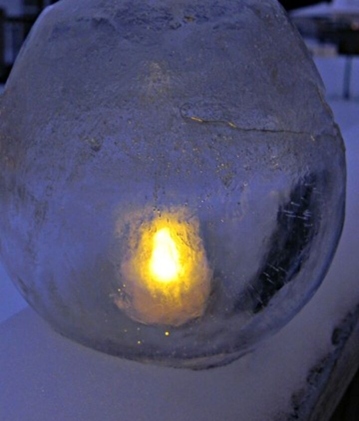 Luminaries made from ice and battery-powered tea lights