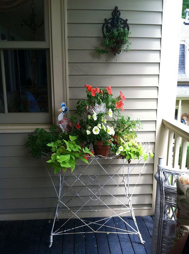 A little balcony vignette! Love the duck!