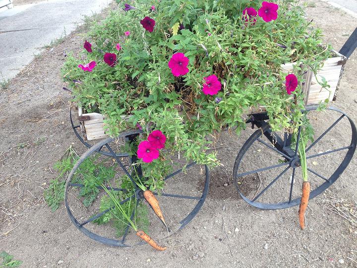 yard critter feeder, flowers, gardening, repurposing upcycling