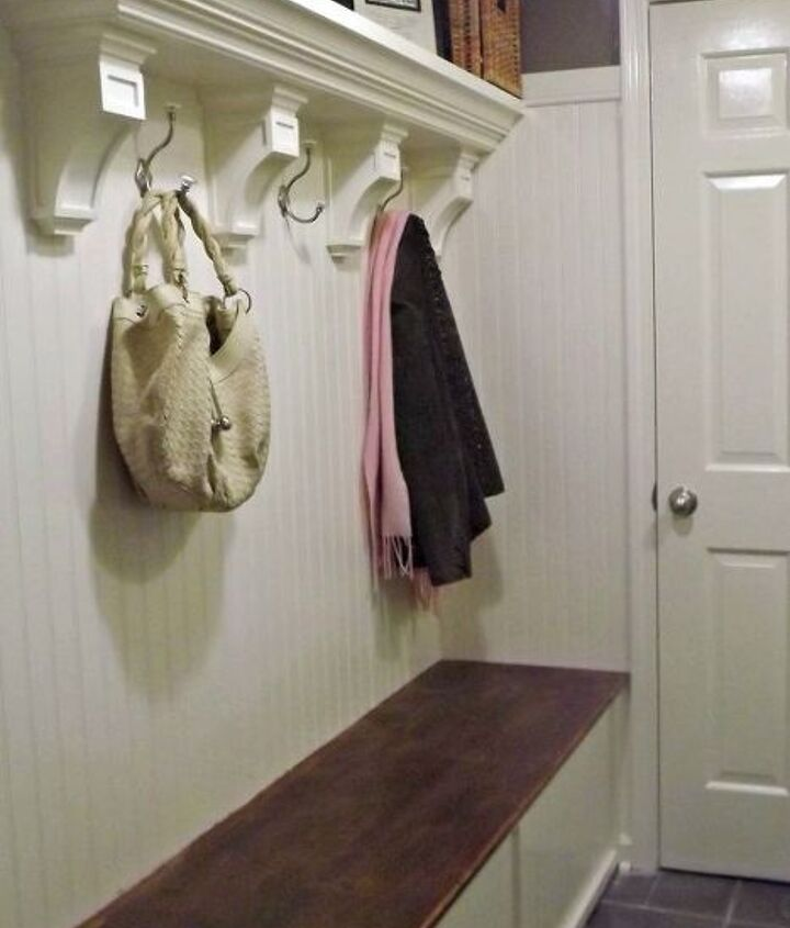 The shelf is made of two pieces of wood, crown molding and 4 corbels. http://www.lifeonmarsblog.net/2012/09/mudroom-reveal-laundry-room-makeover.html