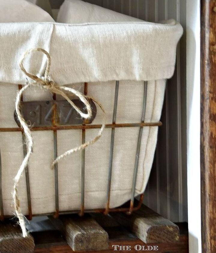 craigslist trash to farmhouse treasure, painted furniture