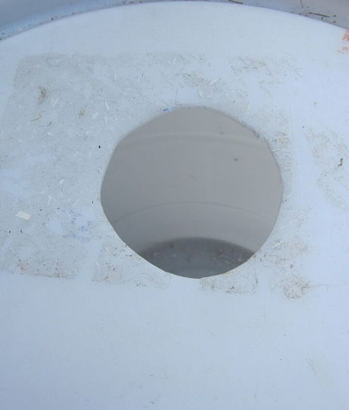 hole to attach barrel to downspout