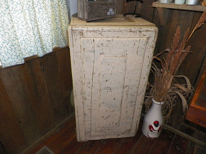 restored old horse tack trunk to liquor cabinet, painted furniture, woodworking projects