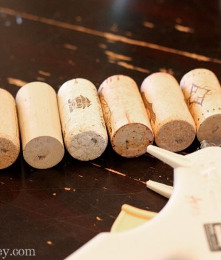 wine cork christmas tree, repurposing upcycling, seasonal holiday d cor