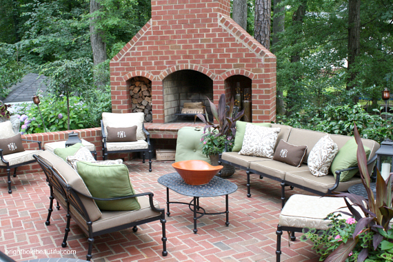 Outdoor fireplace screams s'mores please!