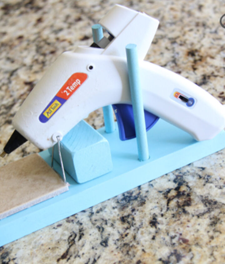 easy diy hot glue gun stand, crafts
