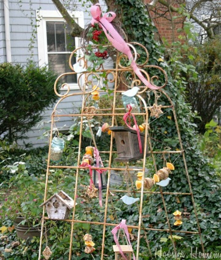Garden trellises turned into bird feeding station