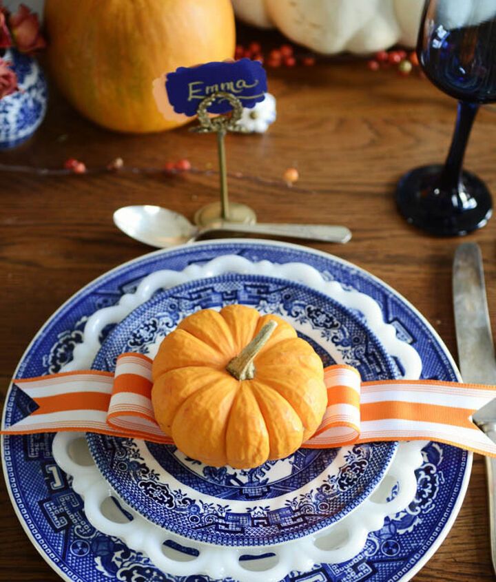 A Blue Willow Thanksgiving Table