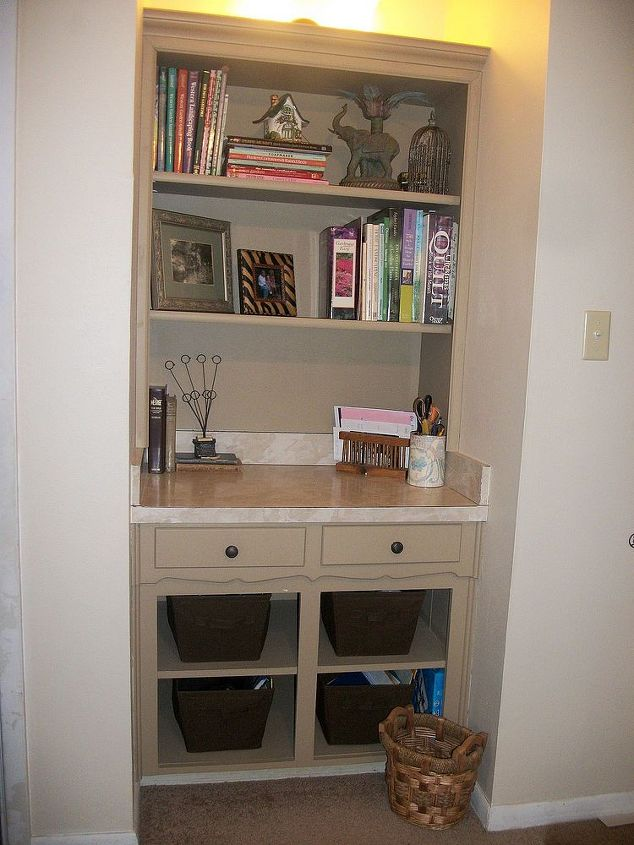 Finished.  I now have a nice little writing desk.
