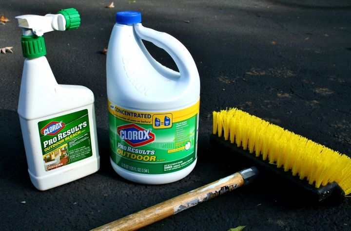 The outdoor friendly Clorox cleaner.