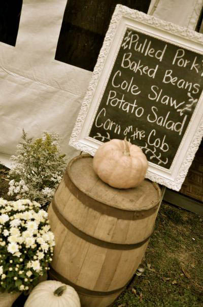 Let your guests know what they'll be eating http://www.fleamarketgardening.org/2013/06/18/flea-market-gardening-weddings/