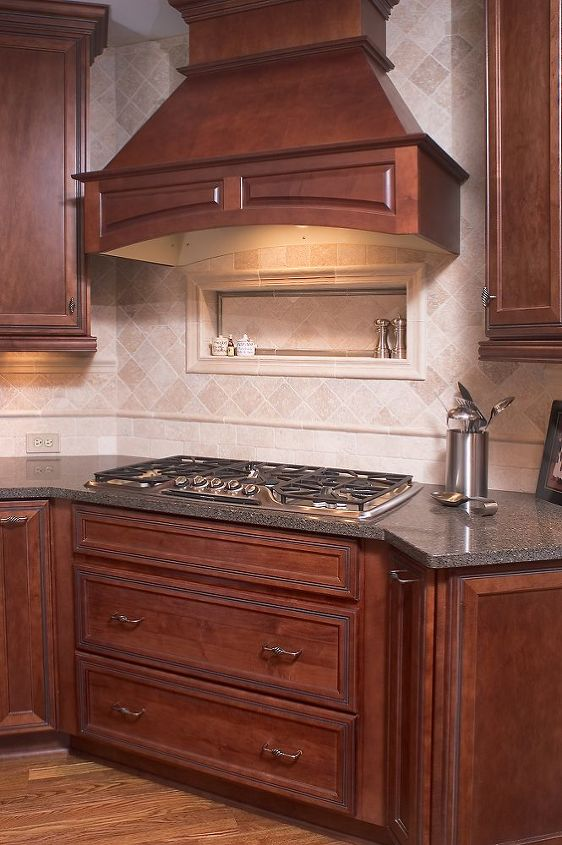 classic kitchen remodel, home decor, kitchen backsplash, kitchen design, kitchen island, Stone backsplash with custom niche