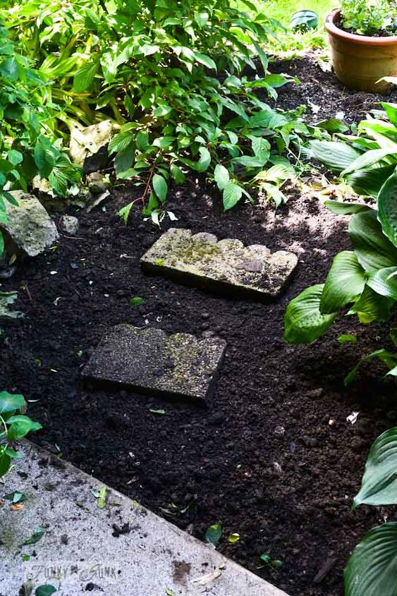 cheating with an instant full pallet garden walkway, concrete masonry, diy, landscape, pallet, repurposing upcycling, Before
