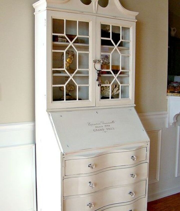 AFTER!  Thanks to a can of Annie Sloane's Pure White chalk paint, this secretary go t a new look!