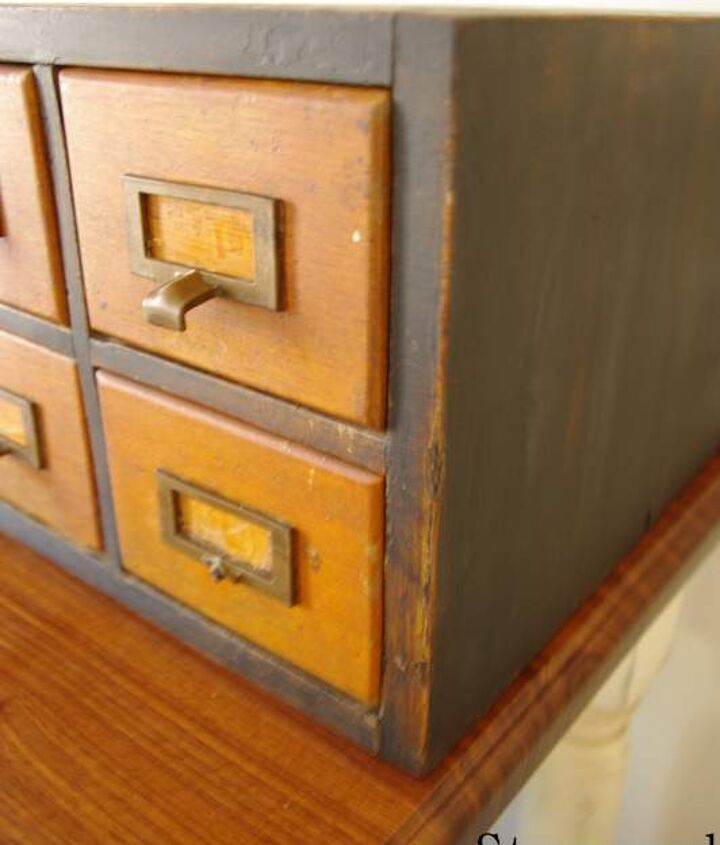 The wood was to pretty to paint and in good condition on the drawers.