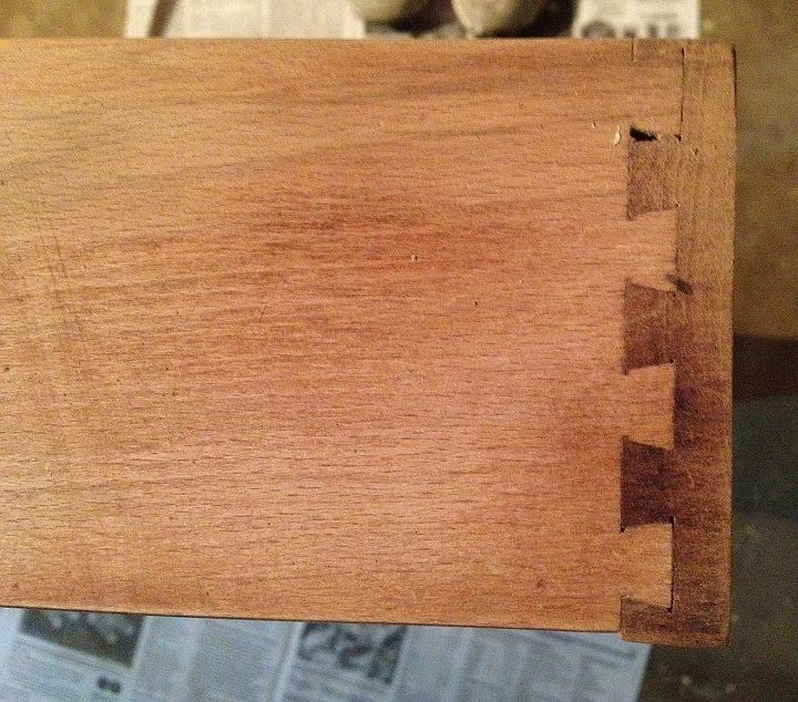 side of drawer dovetail after