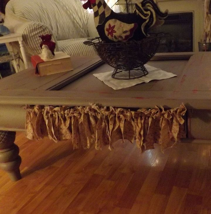 a little shabby ness redo of my coffee table, painted furniture