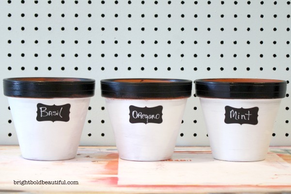 Get ready for Spring and decorate your own clay pots with paint and chalkboard stickers.