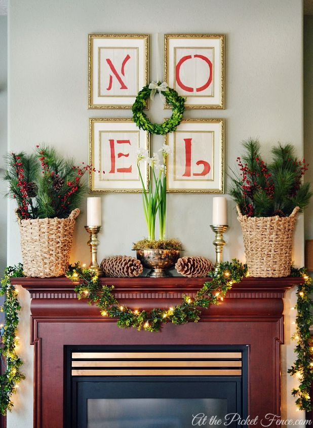 Here's how my family room mantel looked decorated for Christmas.