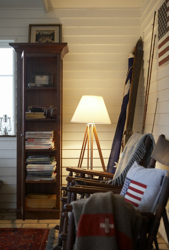 Dark Furniture and White Walls - Amish, Country Style or Distressed ...