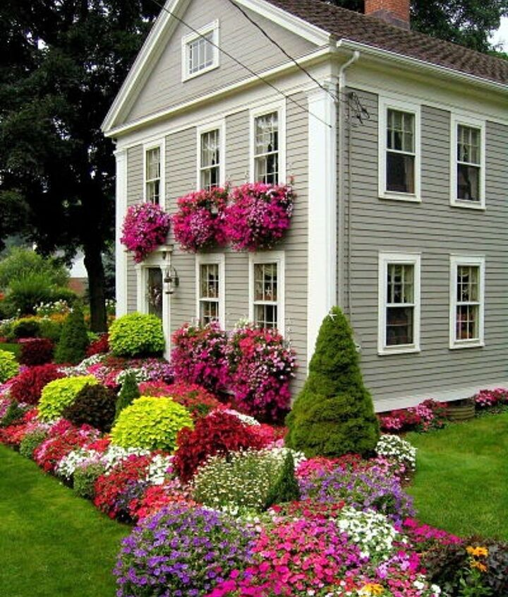 Beautiful house with flowers.