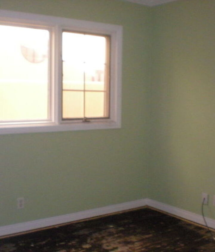 This was the room before we added a door in that corner to enter the adjacent bathroom