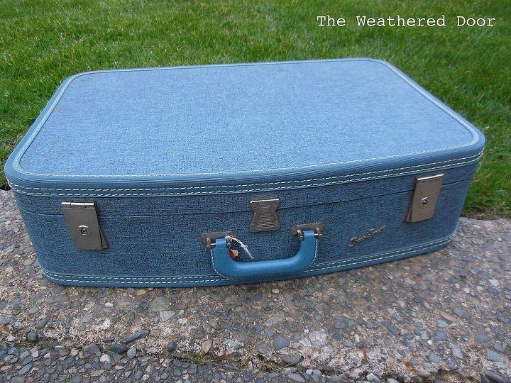 diy suitcase side table, painted furniture, repurposing upcycling, Pretty blue vintage suitcase for 1 at a garage sale