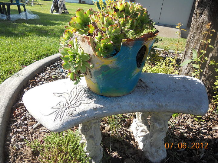 q my project with blue paint the i dont care howit turns out attitude, outdoor living, painting, And a swoosh for the broken strawplanter too hahah Going crazy here