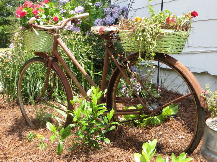 "rusty old ""garden"" bike!!"