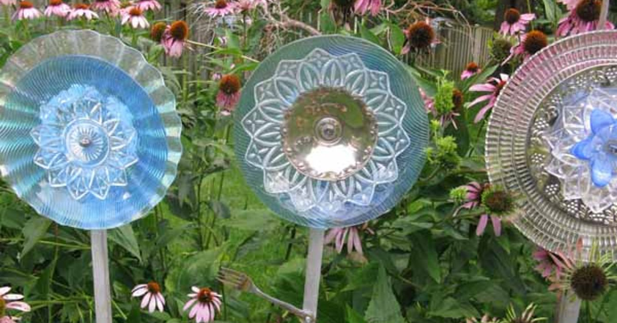 New The Secret To Making Garden Art Flowers From Dishes Hometalk Jt17