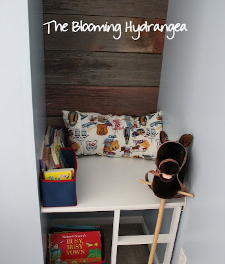 little boy book nook with barn wood, bedroom ideas, home decor