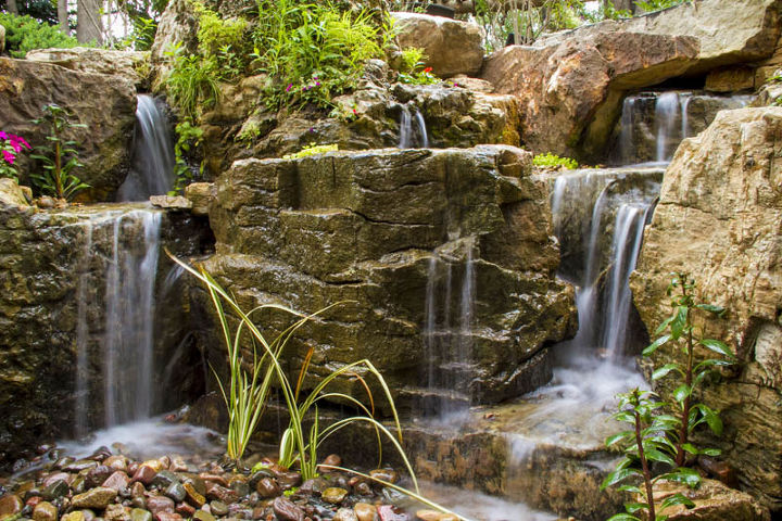Creative use of rock provides inspiring scenery.