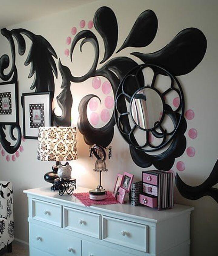 Large handpainted scroll pattern for Atlanta designer Terri Kemp/Terri Kemp Interiors in a teen girls' room.