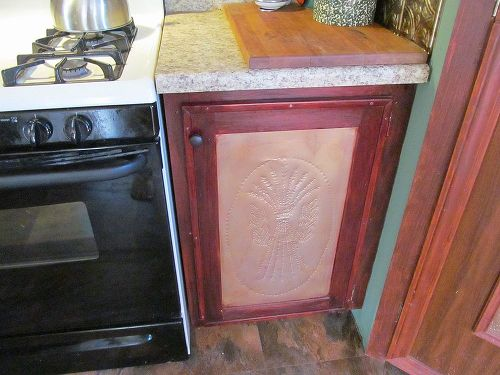 Need help on a DIY kitchen redo without replacing cabinets. | Hometalk