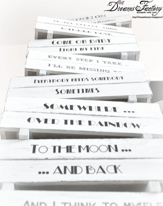 http://dreamsfactory1.blogspot.ro/2013/04/vintage-music-boxes-free-fonts-i-love.html#.UXavv1ewIg8