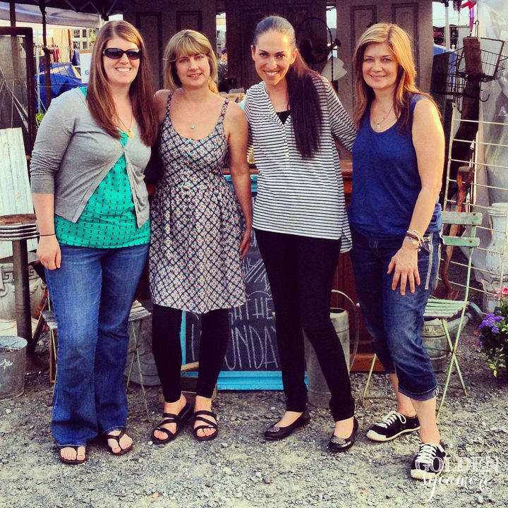 Getting to meet Karen (The Graphics Fairy), Miriam from Hometalk, and Donna (Funky Junk Interiors) was such a special moment!
