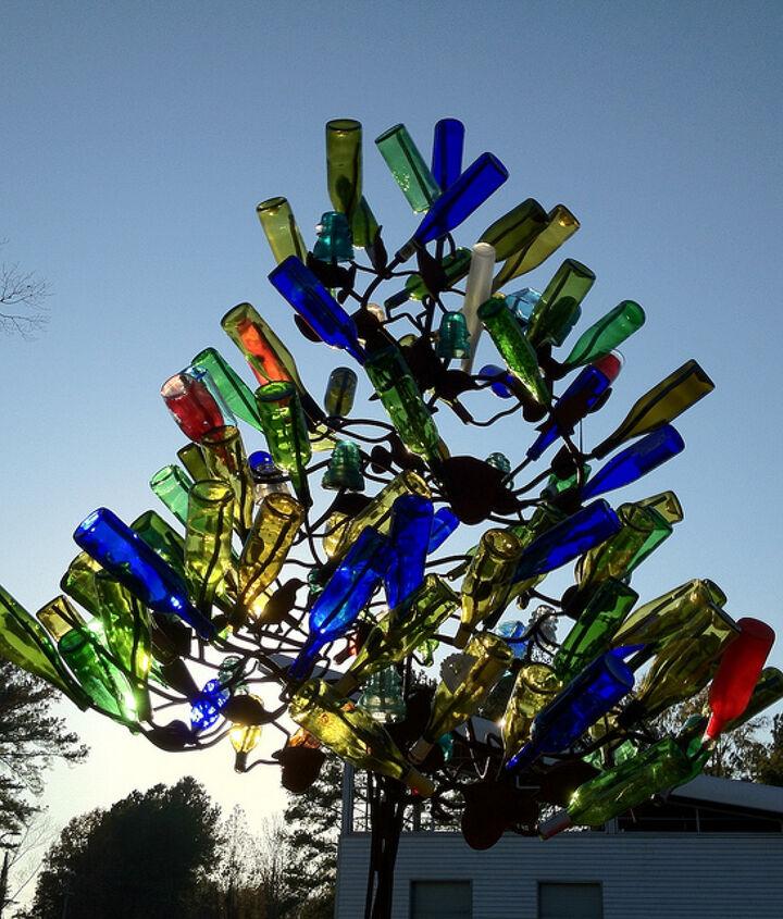 This is a bottle tree. Photo: redagain Patty/flikr