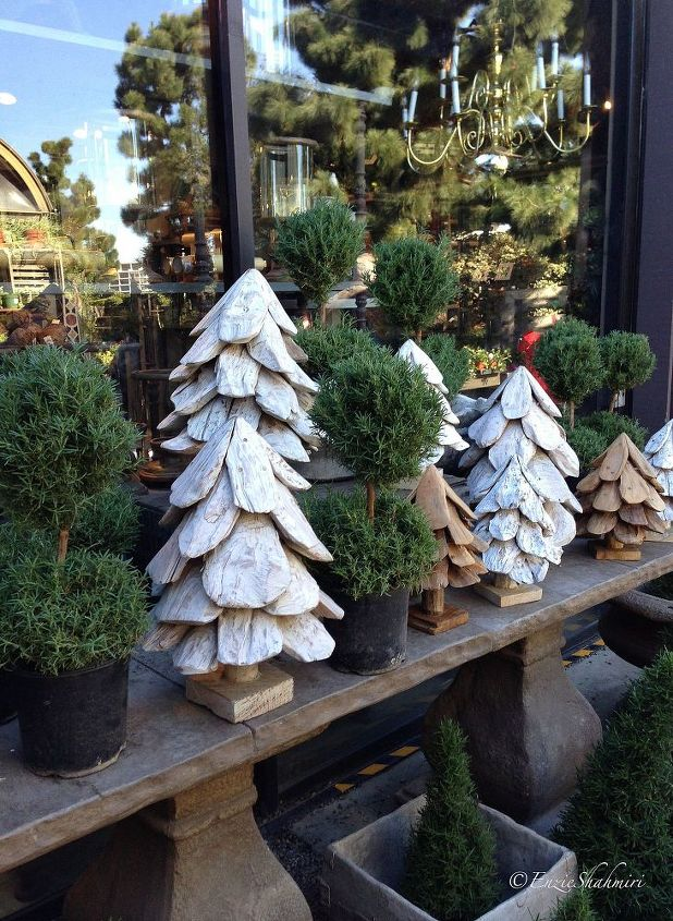 q decorate with pines and pine cones, christmas decorations, crafts, repurposing upcycling, seasonal holiday decor