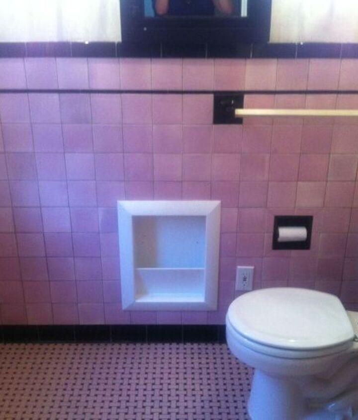 my pink & black bathroom. ugh, help!