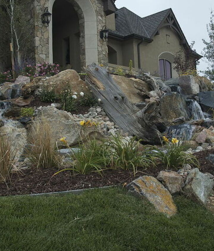 A big plain front yard gets a makeover in one day!
