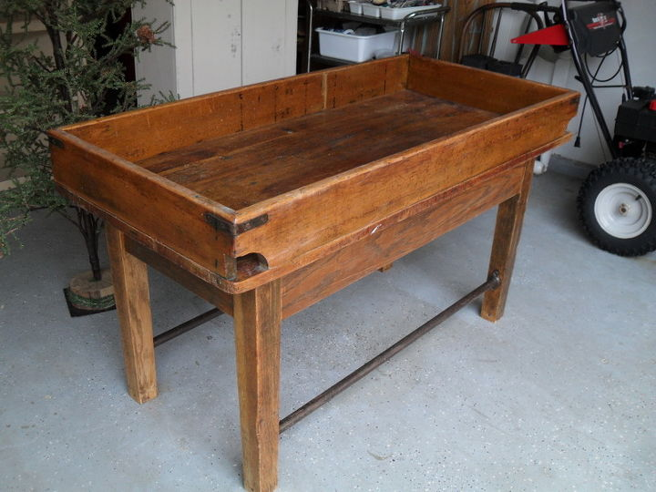 q does anyone have any information value about this postal table, painted furniture, It s very heavy