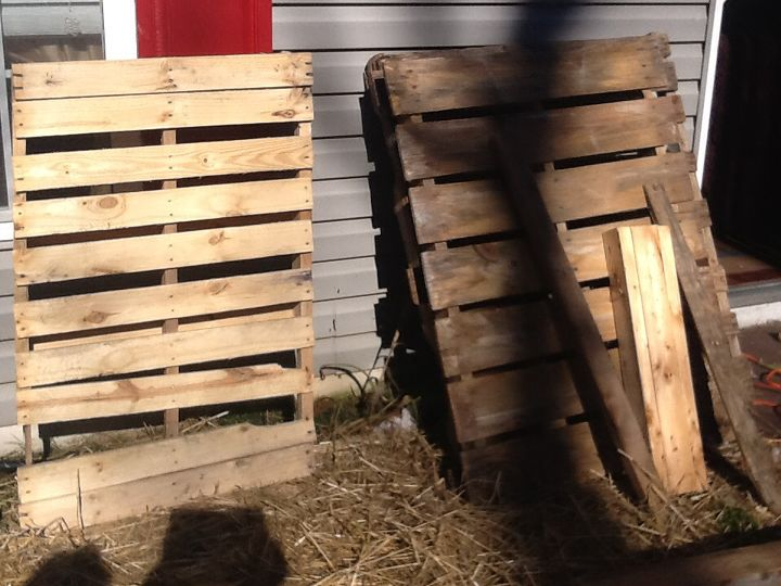 pallet coffee table be proud of what you accomplish, diy, home decor, living room ideas, painted furniture, pallet, repurposing upcycling, The start of making the pallet table