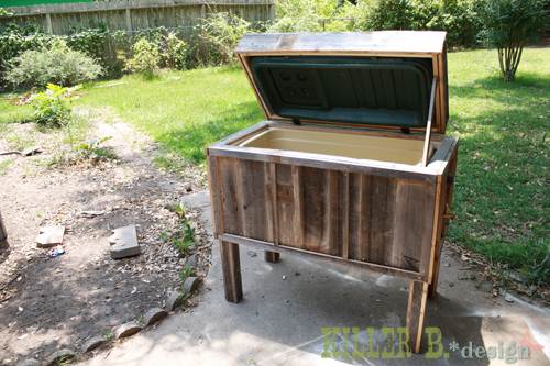 diy cowboy cooler, diy, how to, patio, porches, woodworking projects, Inside shot of the cooler