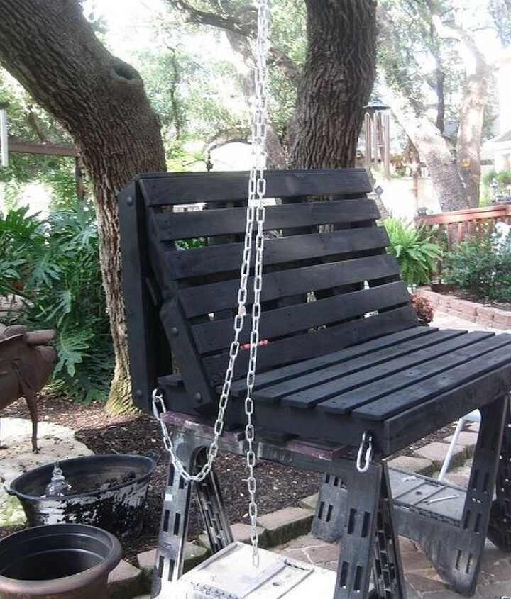 pallet swing, diy, pallet, repurposing upcycling, woodworking projects, Attached chain with eye hooks and lock clips