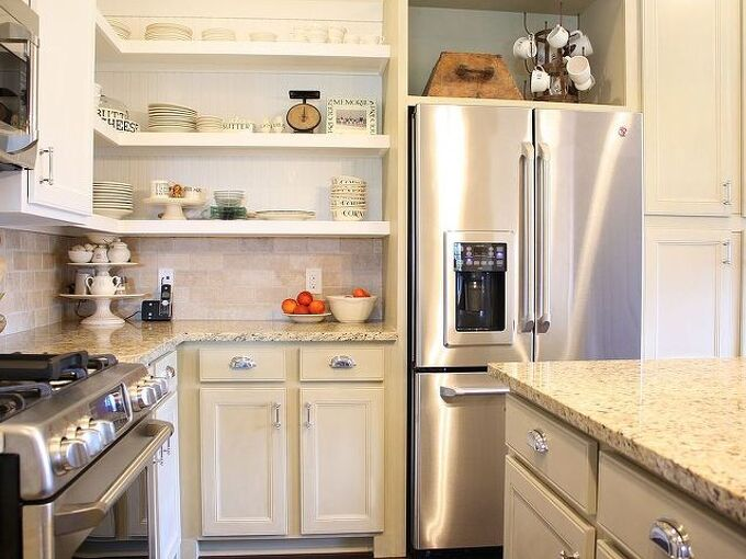 chalk painted kitchen cabinets, chalk paint, doors, home decor, kitchen cabinets, kitchen design, We used ASCP in Old Grey for the lower cabinets and Pure white for the upper cabinets
