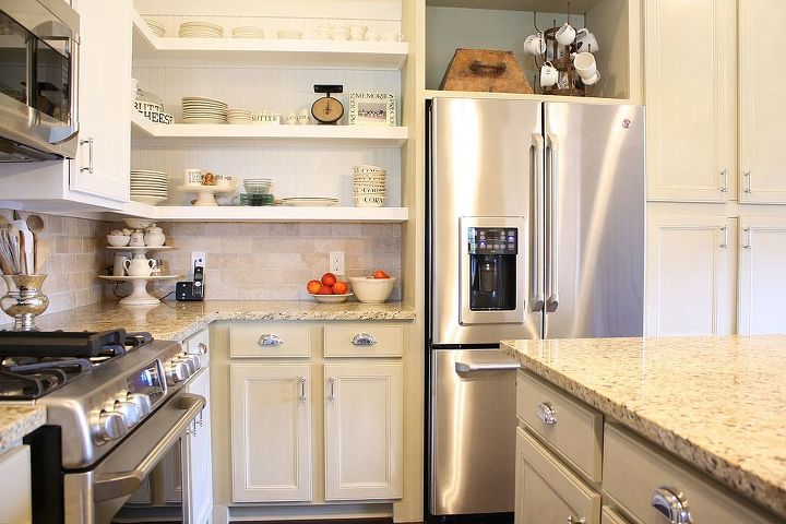 We used ASCP in Old Grey for the lower cabinets and Pure white for the upper cabinets.