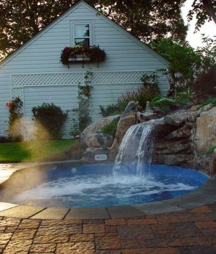 """Is it a pool or a spa... it's a """"Spool"""" http://www.deckandpatio.com/DP_Blog/?p=1105"""