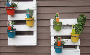 diy palette herb garden, gardening, pallet projects, Close up of herb garden